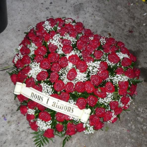 Coeurs pour cérémonie funéraire